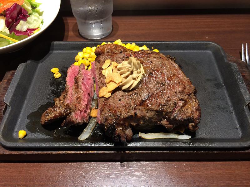 450グラムのステーキ