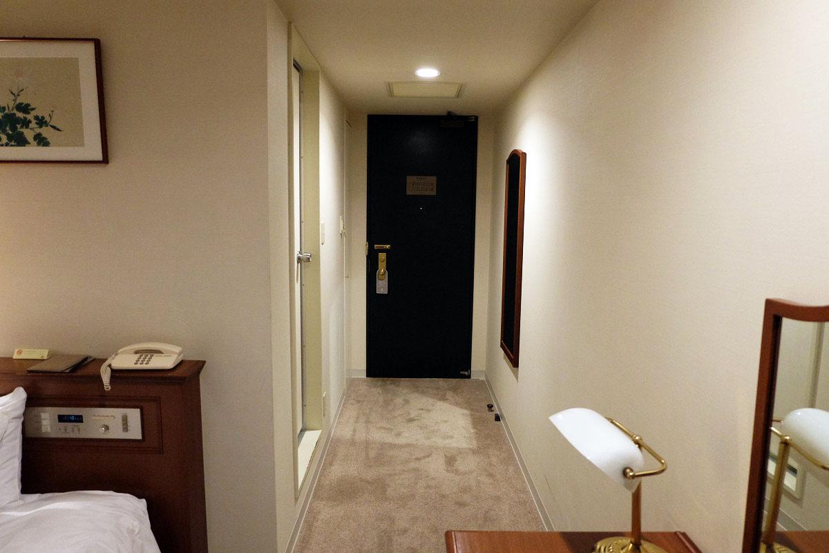 シングル 13平米 ドア側