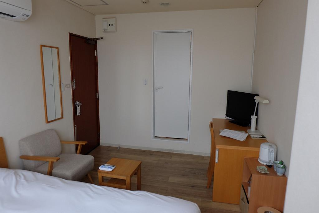 石垣島ホテルククル ダブルルーム ドア側