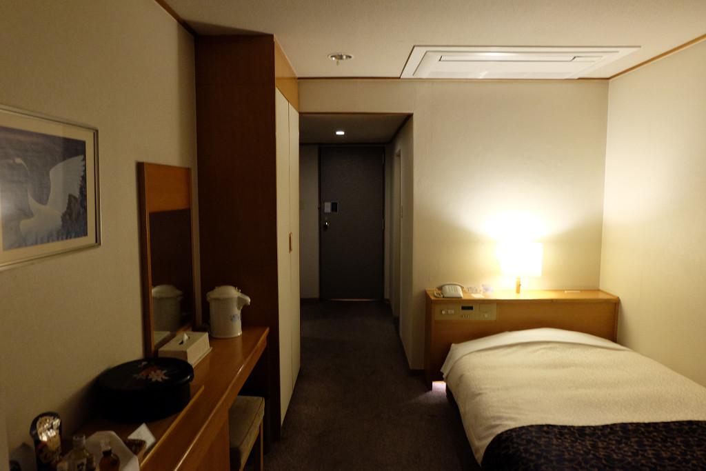 萃香園ホテル スタンダードシングル ドア側