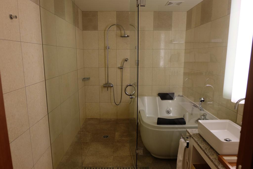 ヴィラテラス大村 1301号室 モダンジャパニーズルーム バスルーム