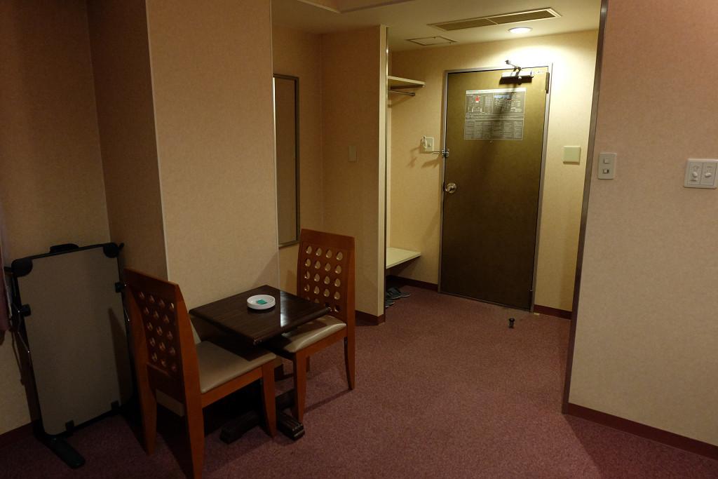 ビジネスホテル東宝イン高松 ツインルーム ドア側