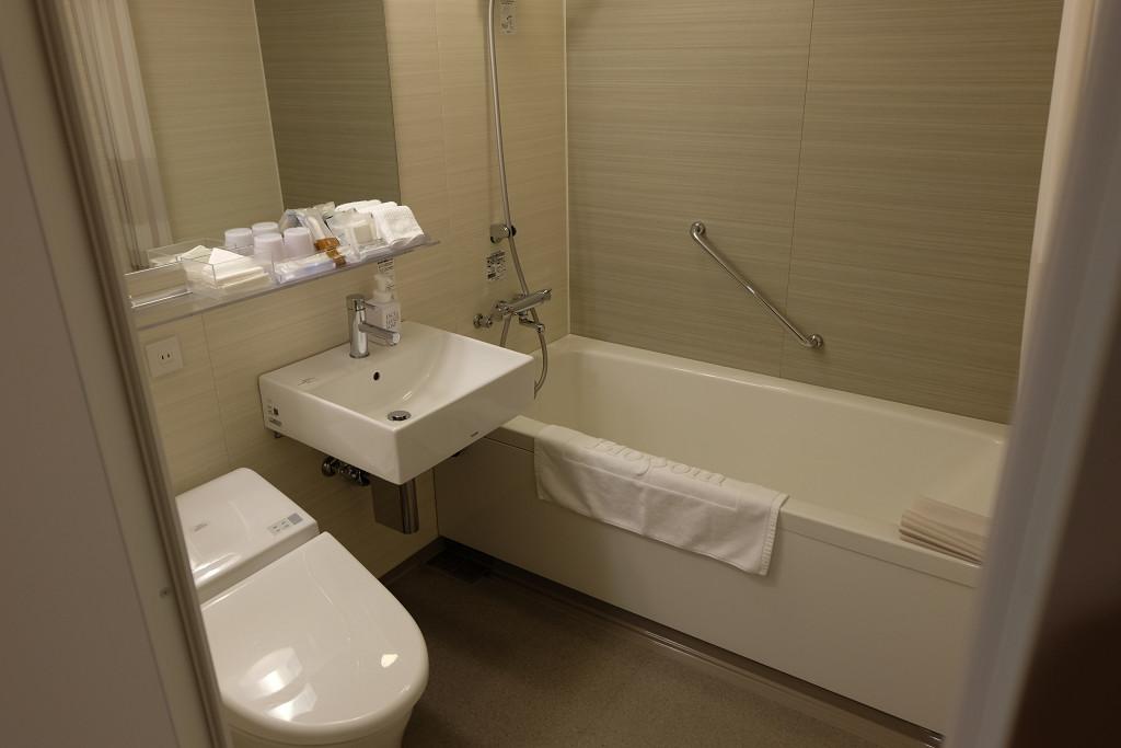 JR九州ホテル ブラッサム博多中央 デラックスツイン バスルーム
