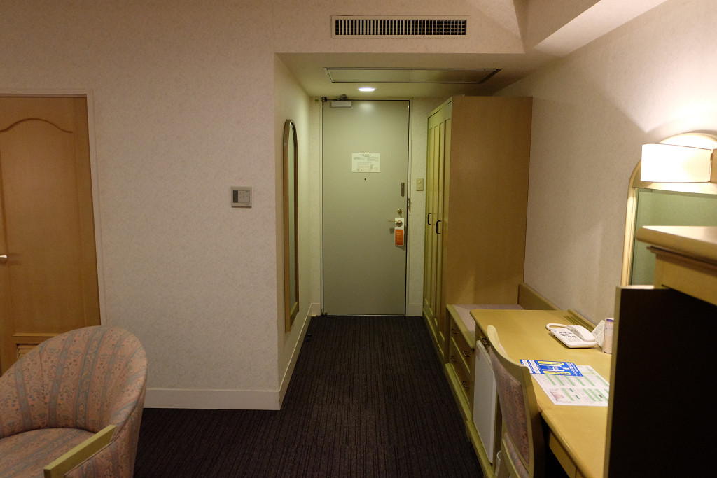 ホテル ベルフォート日向 スイートルーム ドア側