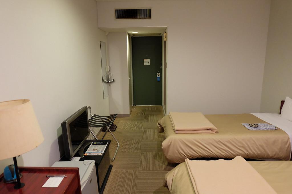 セントラルホテル鴨島 ドア側