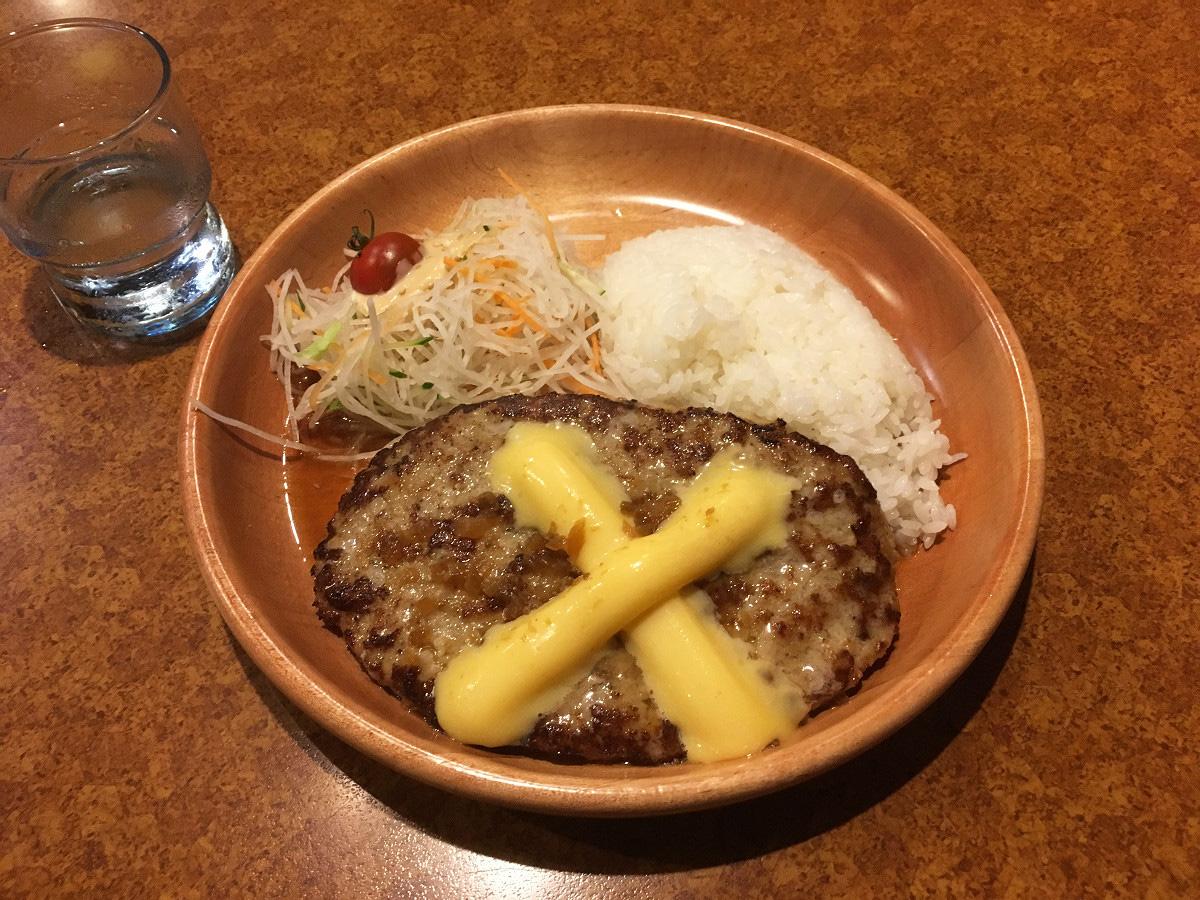 びっくりドンキー 東六郷店「チーズバーグディッシュ 300g」(2017年7月)