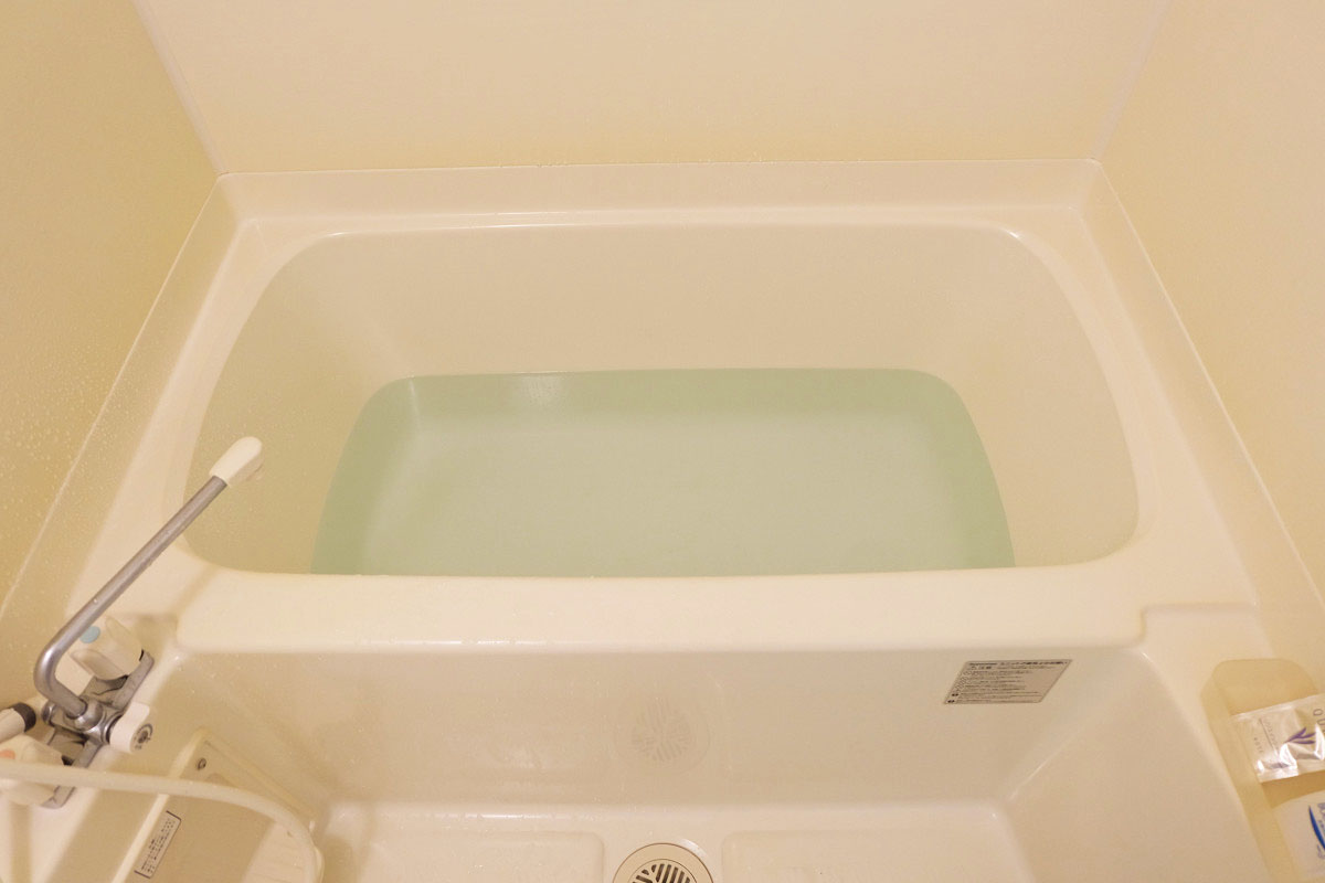 100L(一人暮らし用アパートの浴槽)