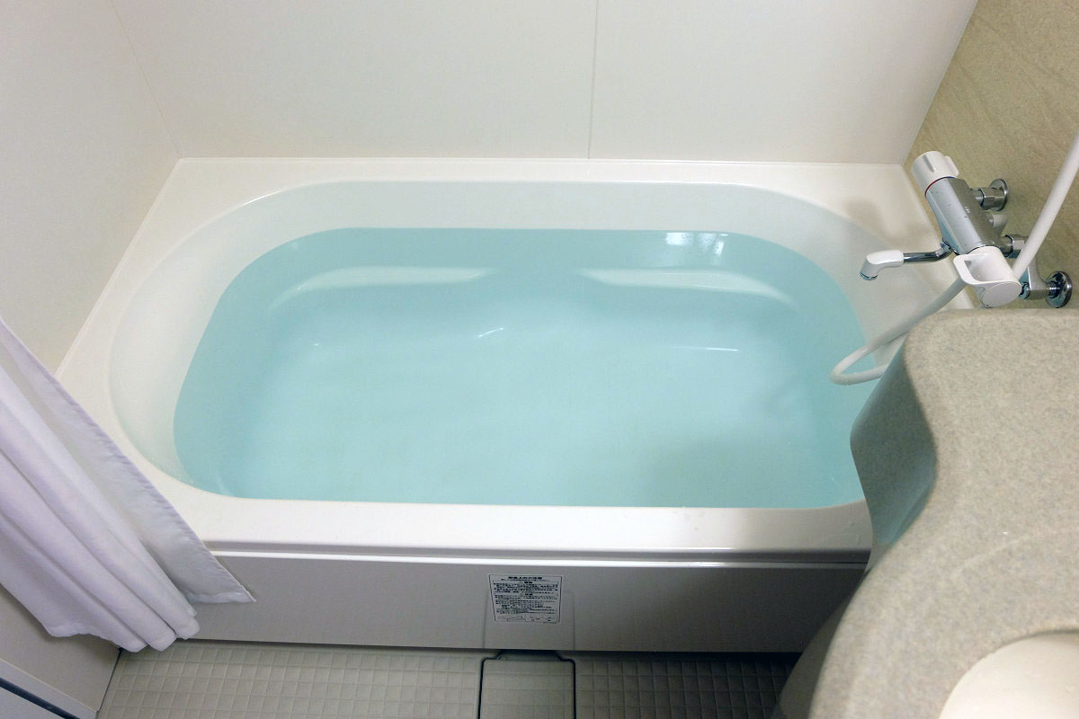 お風呂には何リットルのお湯が入...