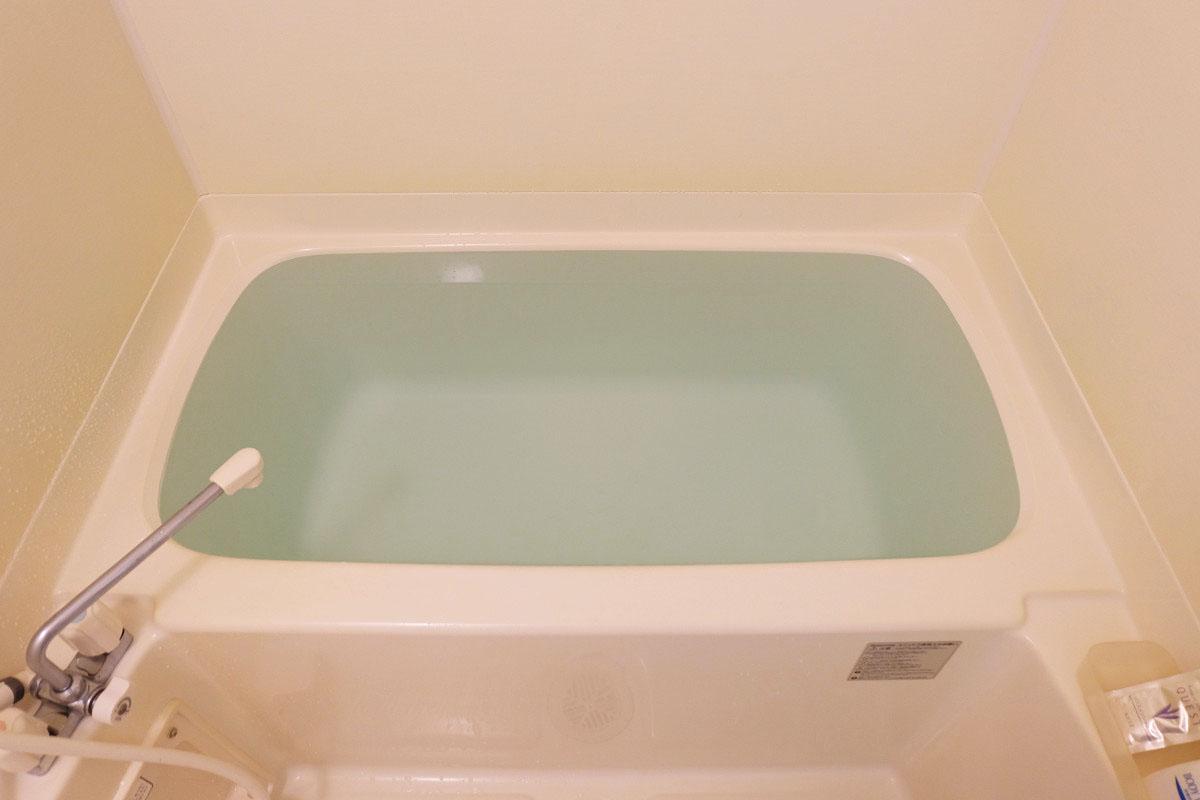 250L(一人暮らし用アパートの浴槽)