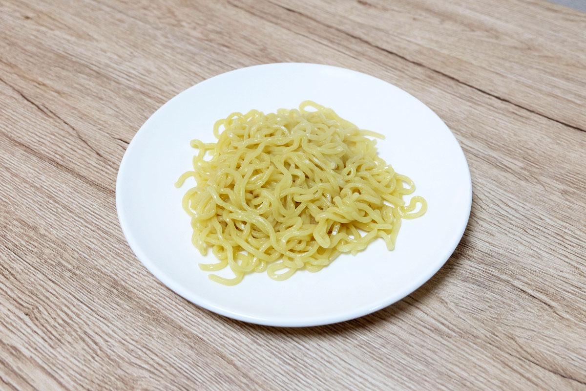 100gのつけ麺(茹でた後:168g)