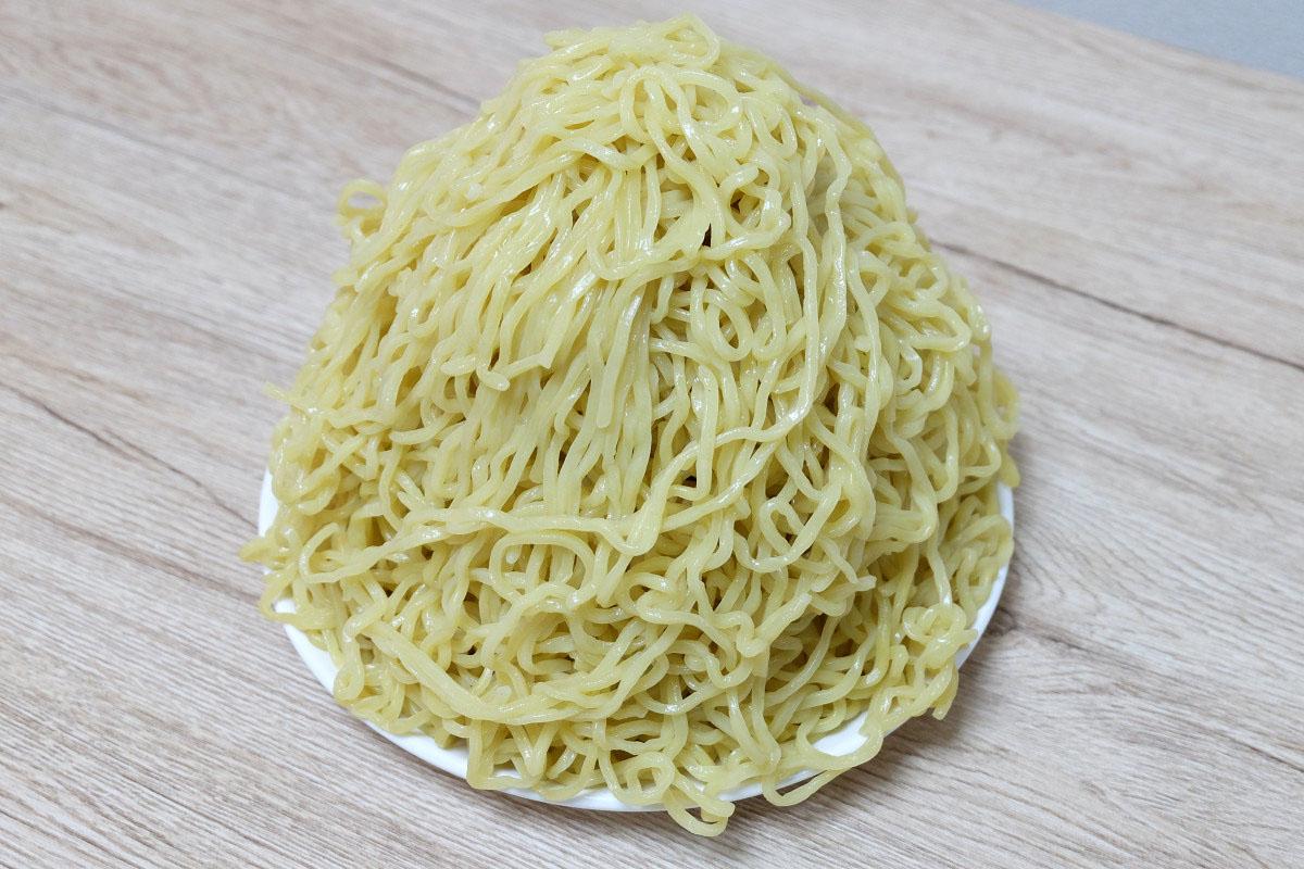 1200gのつけ麺(茹でた後:1942g)