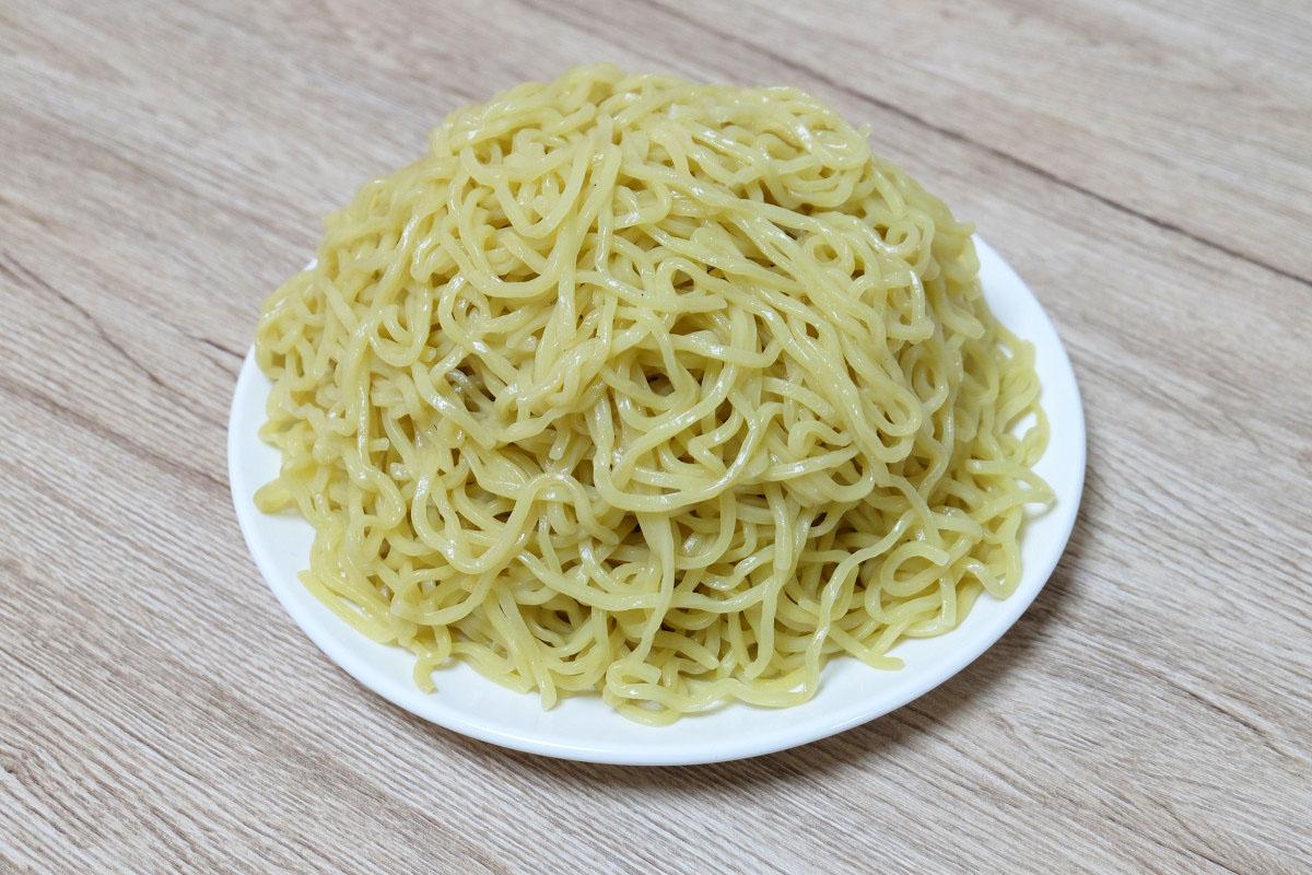 600gのつけ麺(茹でた後:986g)