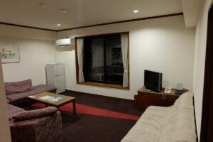 天空のリゾート HOTEL WINDSOR 洋室 4人部屋 74平米