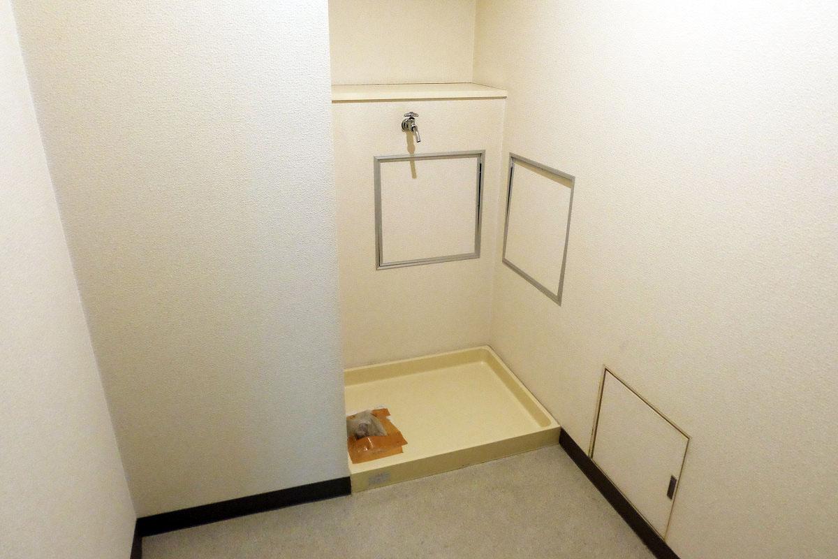 洗濯機スペース(キッチン後ろ)