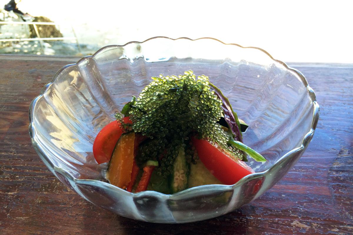 浜辺の茶屋「海ぶどうのグリーンサラダ」