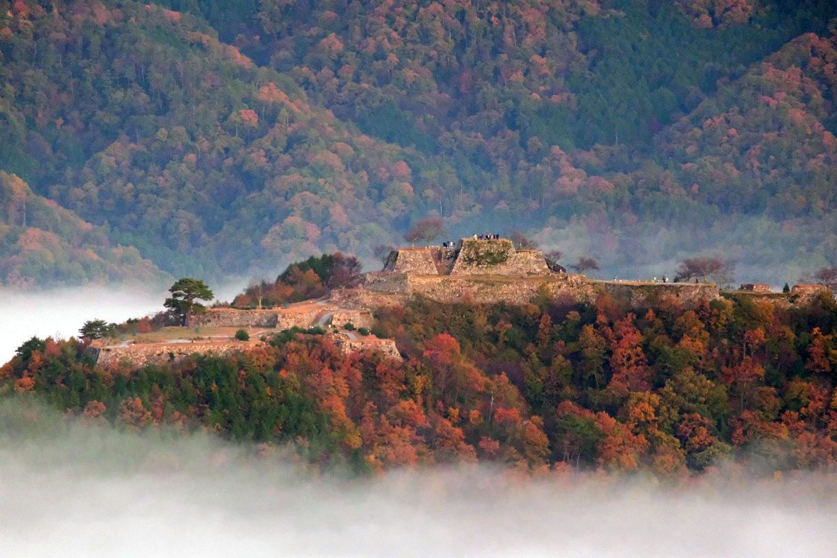 第一展望台からの竹田城(寄り写真)