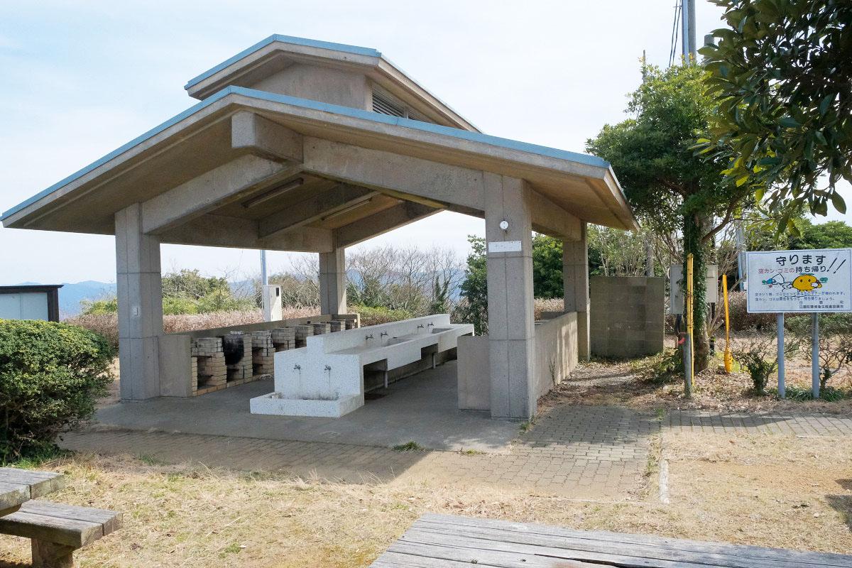 キャンプ施設