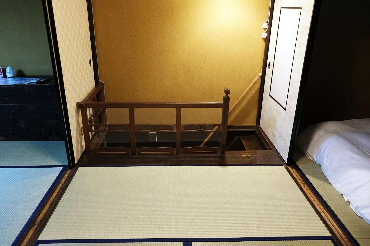 2階 真ん中の部屋