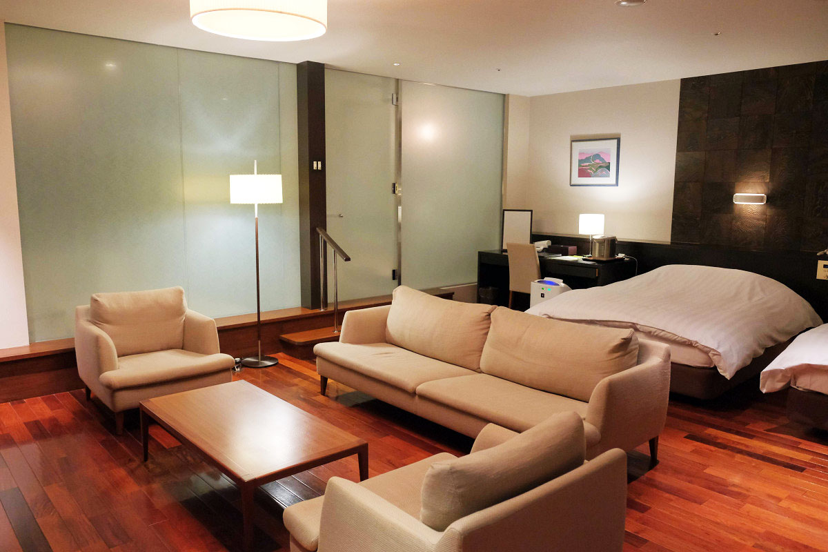 デザイナーズ客室 44畳