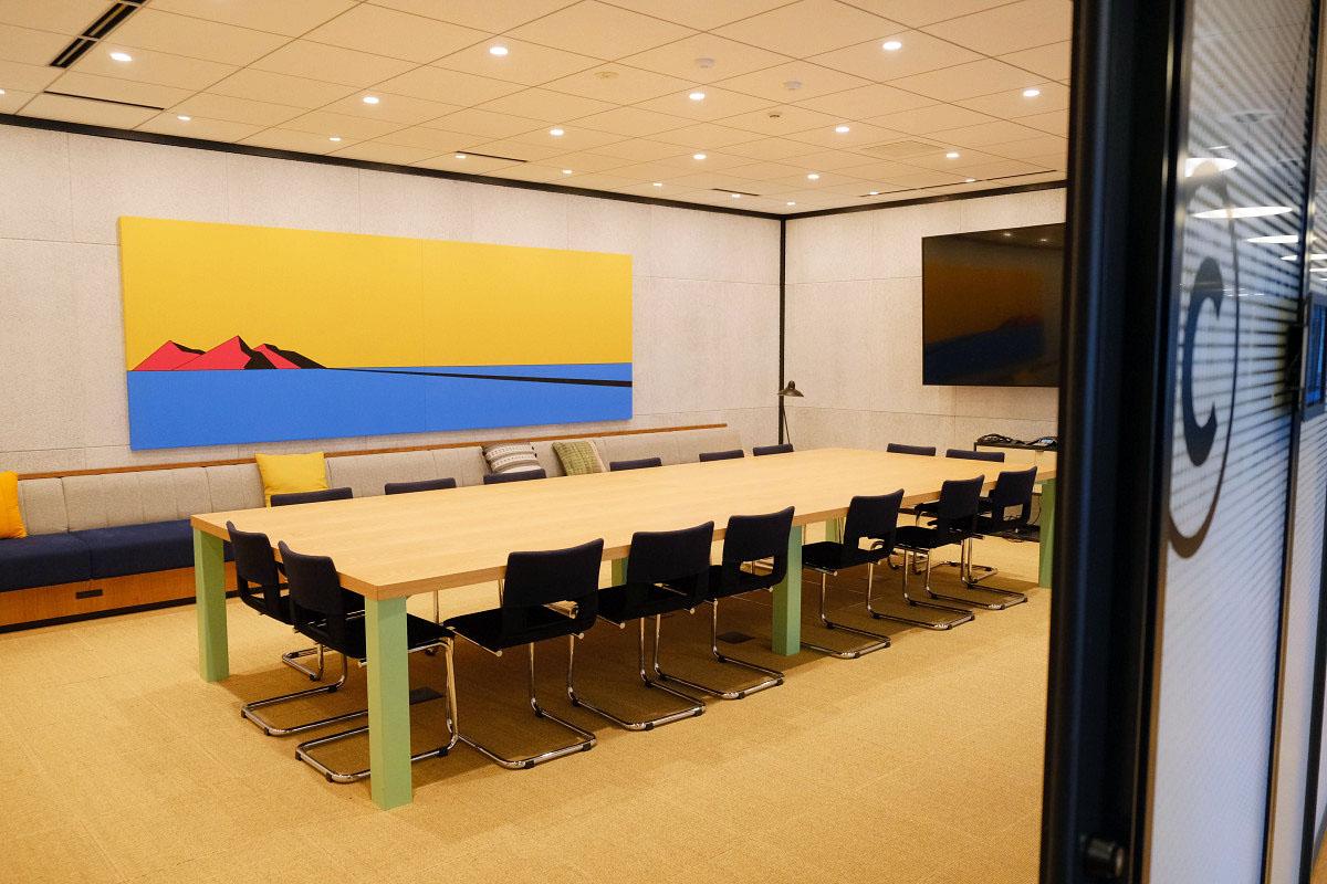 大きめのミーティングルーム