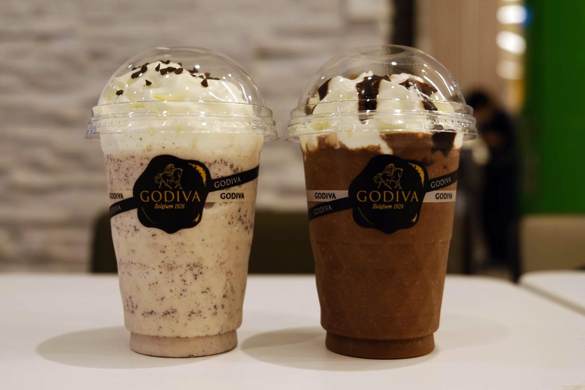 「ホワイトチョコレート27% & バニラ」と「ミルクチョコレート31%」