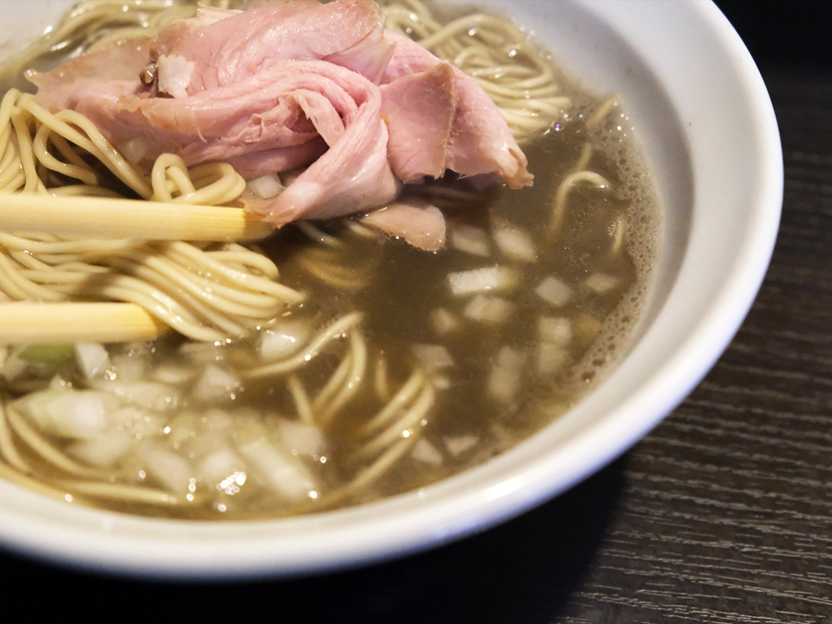 レアチャーシューと濃厚スープ