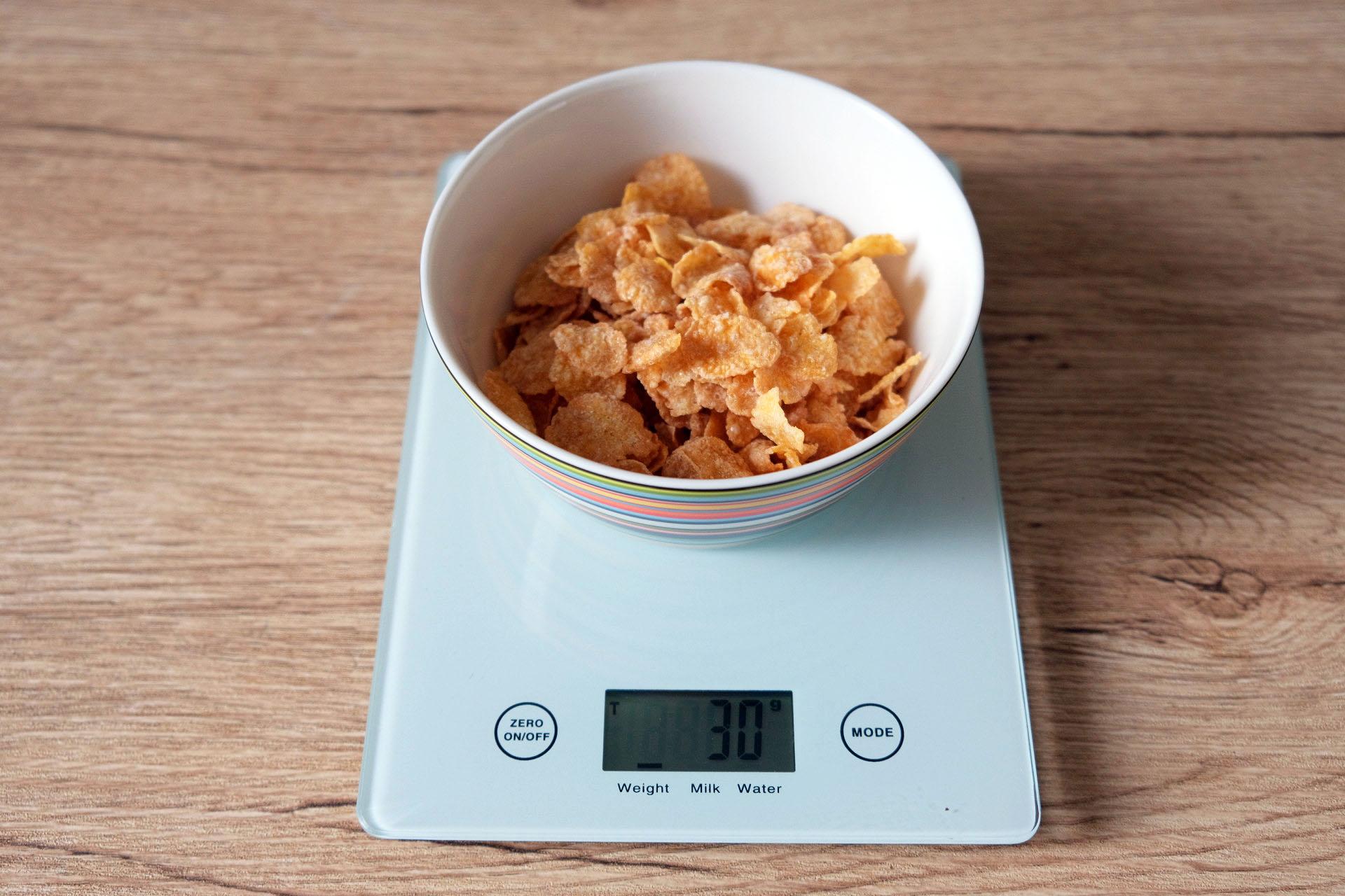 1食分のコーンフロスティ30グラム